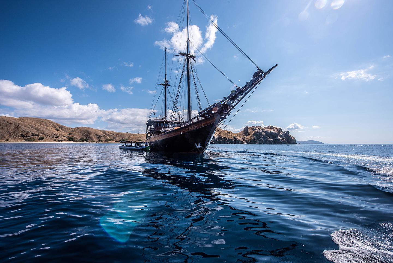 Sailing Yacht Dunia Baru In beautiful blue water
