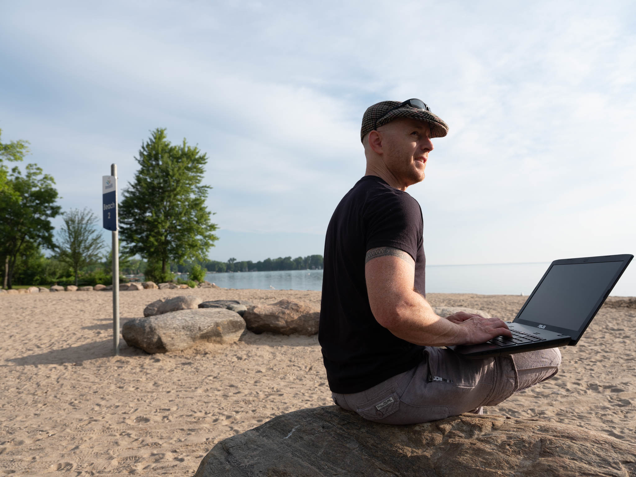 Work on the beach, a dream for any entrepreneur!